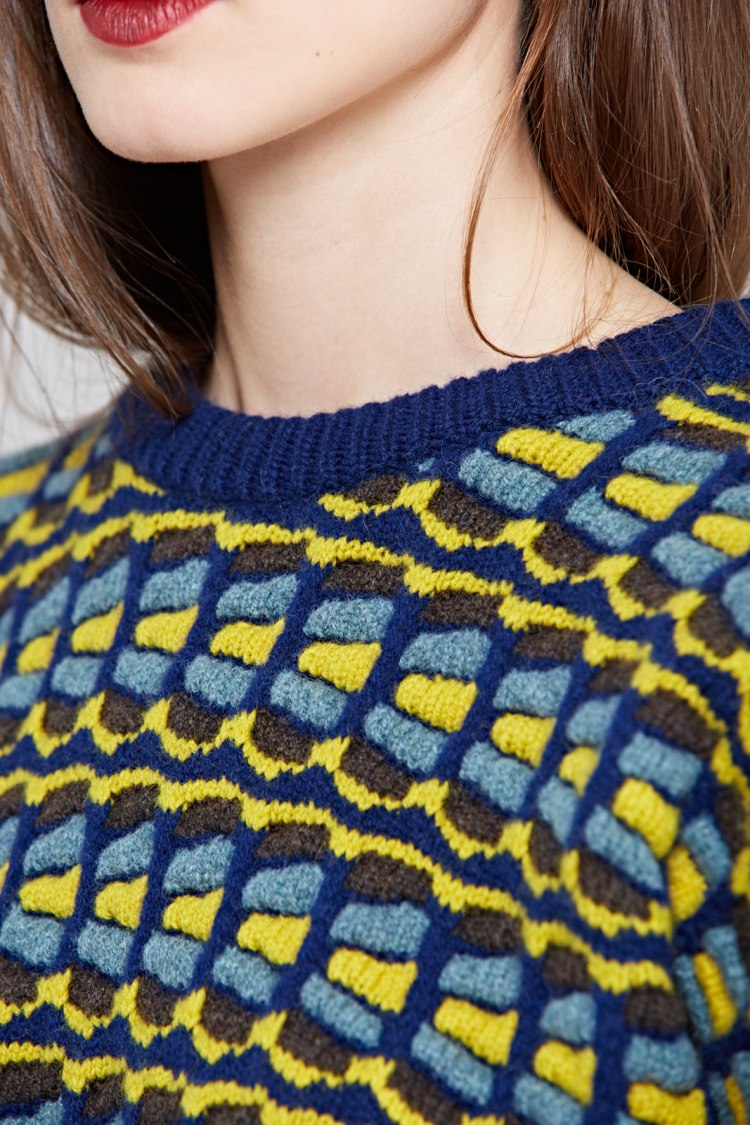 svi_yellow_detail4.jpg