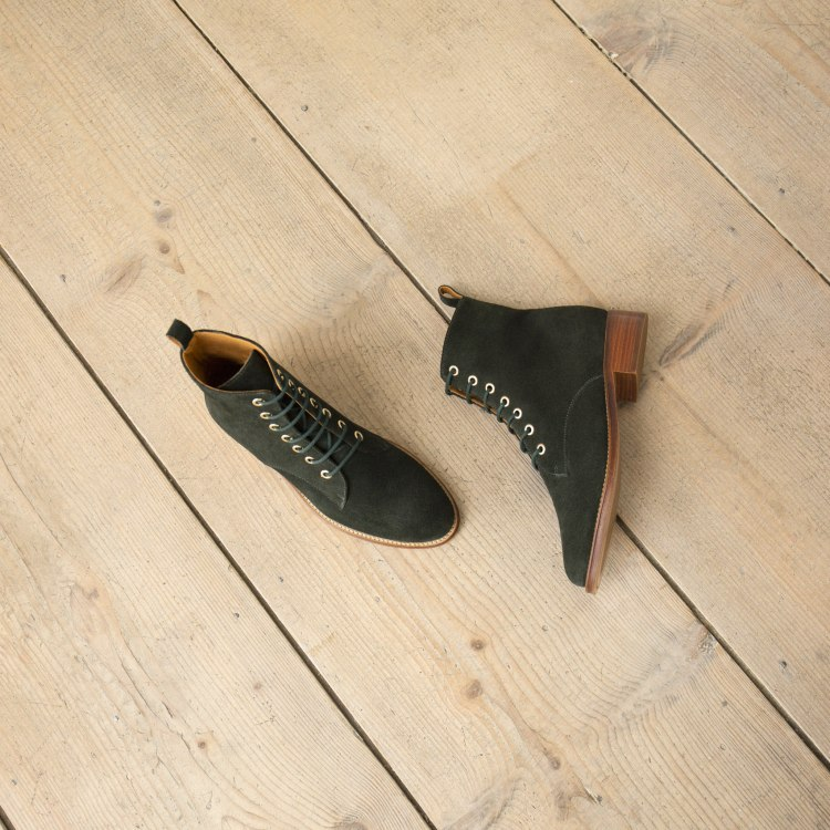 boots-flat-2mid-heels-vert-empire-l-exploratrice.jpg