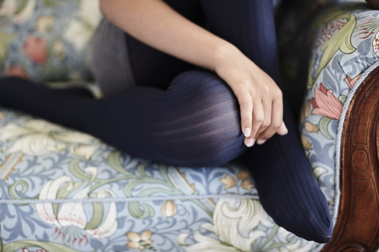aw18_alma_rib_tights_navy_3.jpg