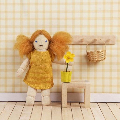 oe-holdie-folk-daisy-01.jpg