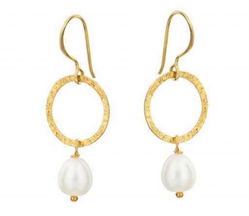 margaret_earrings_pearl_-_high_res.jpg