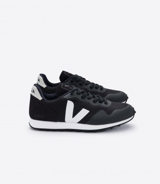 veja_sdu-rt_b-mesh_rt011346_black_natural_lateral.jpg