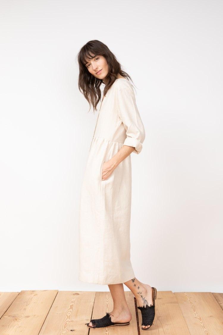 jf_ss20_lookbook_72dpi_tierra_dress_beige_02.jpg