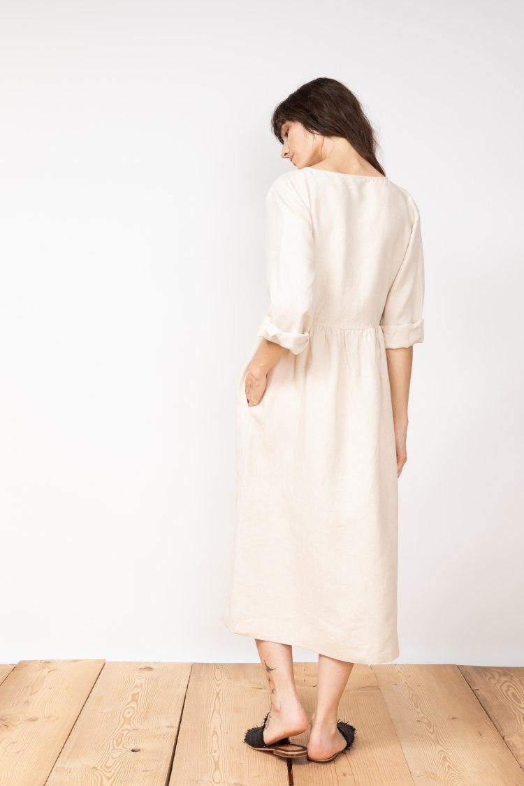 jf_ss20_lookbook_72dpi_tierra_dress_beige_05.jpg